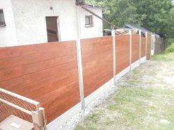 Sloupky a dřevěný plot Michalkovice