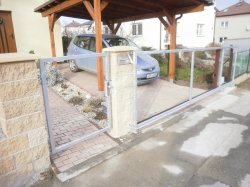 Brána samonosná, branka, Vřesina u Ostravy